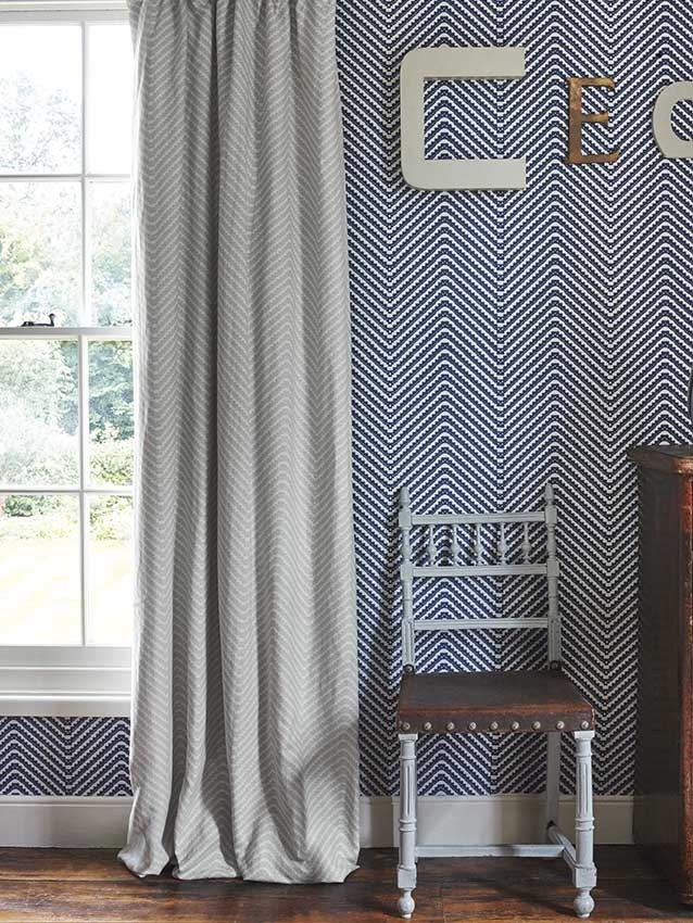 Barneby Gates - Chevron - Grey - Set Shot